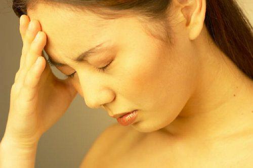 Vàng da là biểu hiện của bệnh án nội khoa xơ gan mất bù