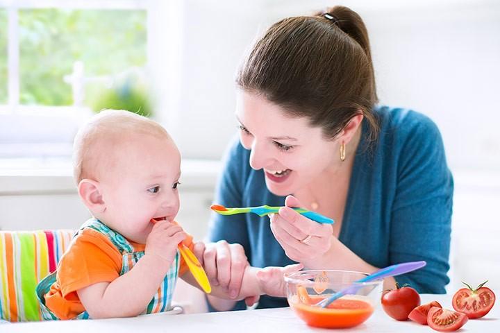 Chế độ dinh dưỡng khi bé bị bệnh chân tay miệng