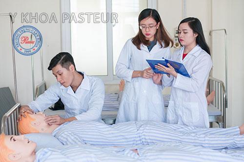 Y sĩ đa khoa trung cấp
