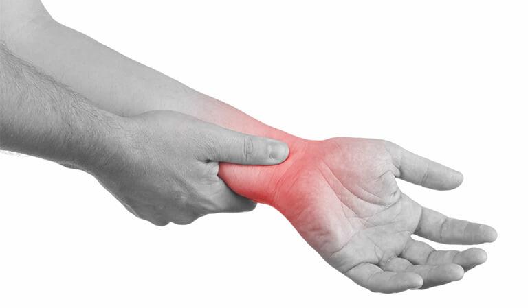 Các triệu chứng biểu hiện của đau cổ tay