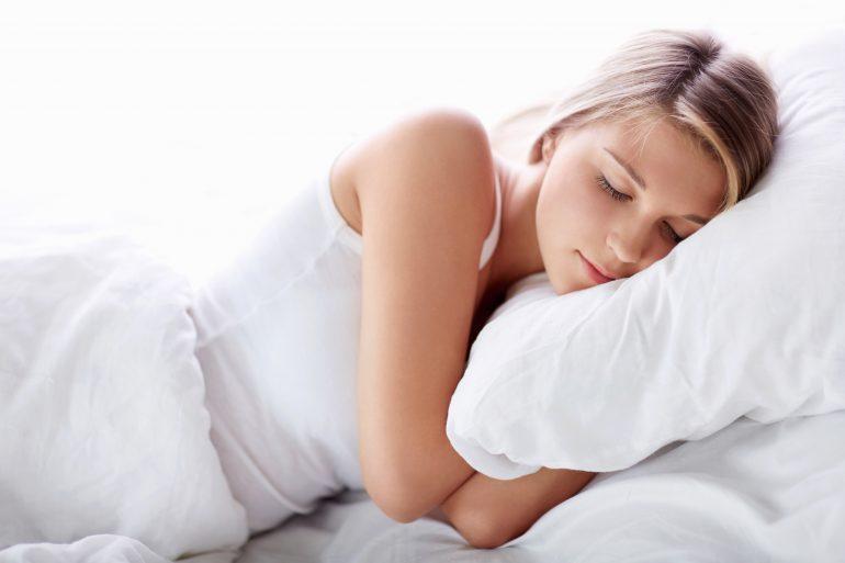 Kê cao gối ngủ để phòng ngừa huyết áp thấp