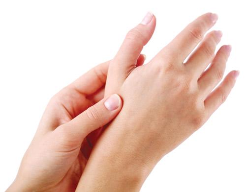 Biểu hiện thường gặp của bệnh viêm khớp dạng thấp qua từng thời kỳ