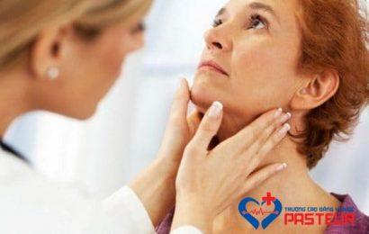 Bệnh học Nội khoa: Phân biệt bệnh suy giáp và cường giáp
