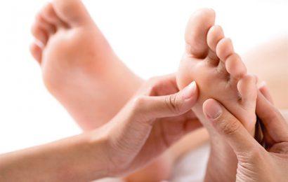 Tình trạng đầu ngón tay, ngón chân tê đau như kim châm là gì?