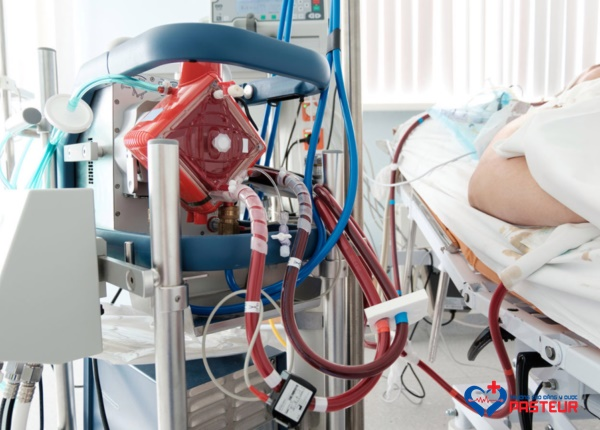 kỹ thuật trao đổi ô-xy qua màng ngoài cơ thể (ECMO)
