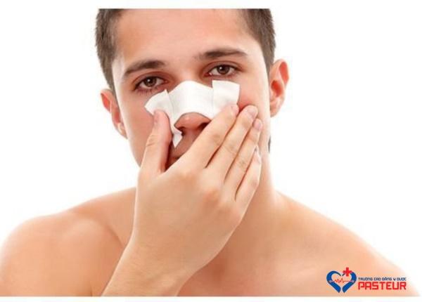 Chia sẻ Phác đồ điều trị chấn thương mũi